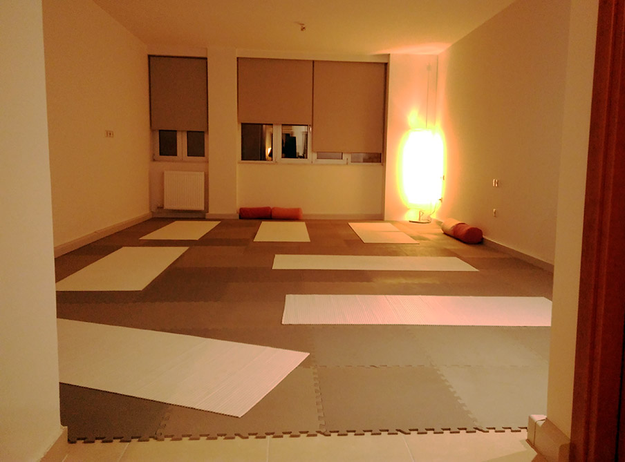 HaTha Yoga indoor